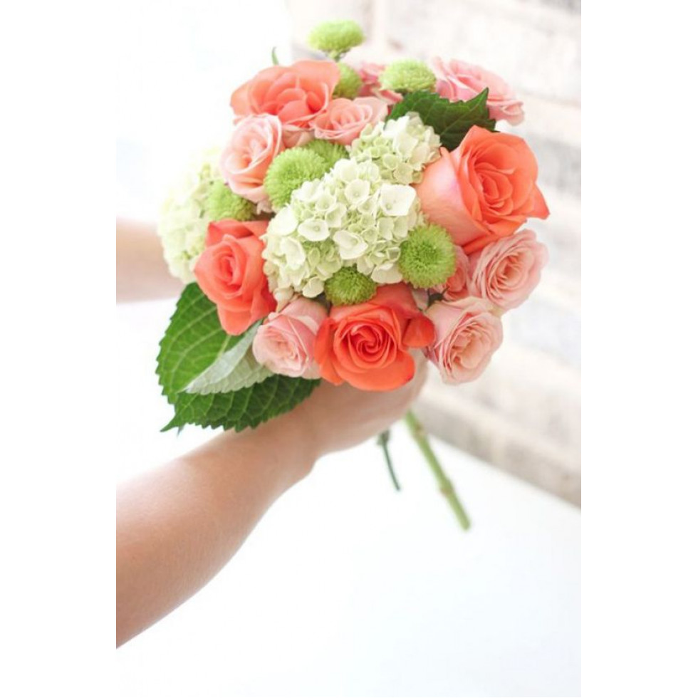 bouquet de la mari e rose corail fleuriste la diva. Black Bedroom Furniture Sets. Home Design Ideas