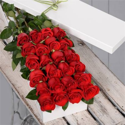 24 red roses in a box